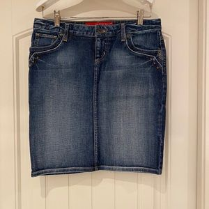 Guess Jean Skirt Stretchy size 28